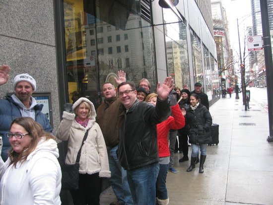 Embassy Suites by Hilton Chicago Downtown: First in Line at Garrett popcorn on Michigan Ave