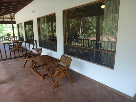 Hotel Sugar Beach: Porch of Garden View Standard Room