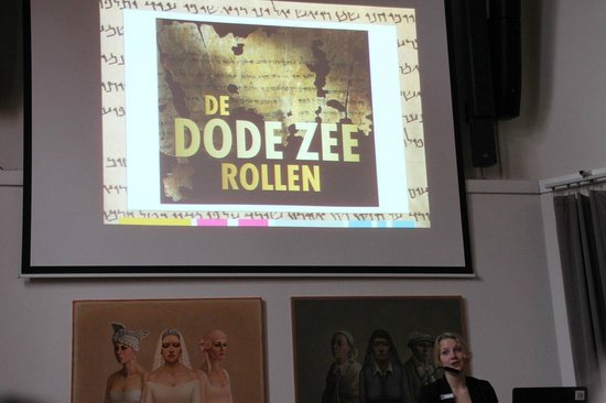Drents Museum: Presentation on the dead sea scrolls by a young historian
