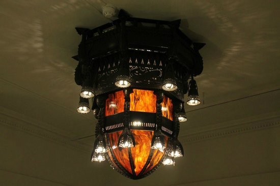Drents Museum: Art Deco lamp in the old building