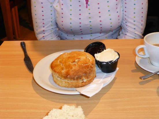 Wreckers: The biggest scone ever!