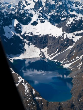 Air Fiordland: A chilled mountaintop lake