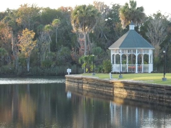 Plantation on Crystal River : Gazebo over looking Crystal River