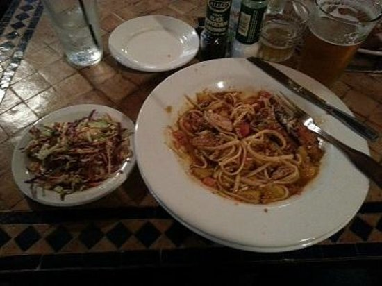 Cafe Alma: Chicken pesto pasta and Asian slaw