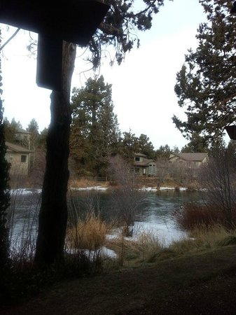Shilo Inn Suites Hotel - Bend: View from room 408. The slider opens right out to the river.