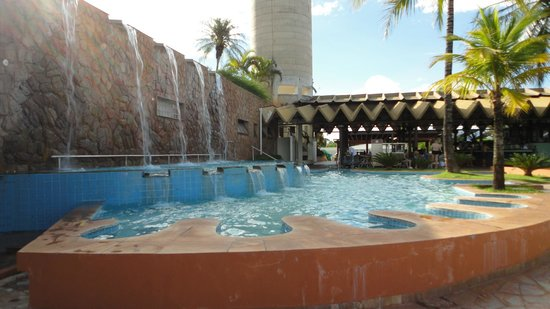 Blue Tree Park Lins: de onde vem a agua quente