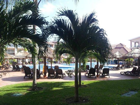 Sandos Playacar Beach Resort: Vista desde el balcón de la habitación