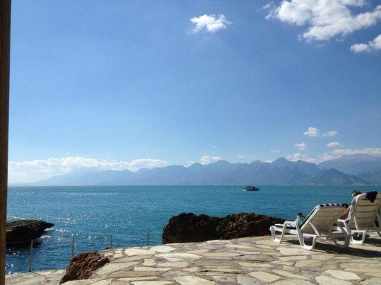 เดอะ มาร์มาร่า แอนทาลย่า โฮเต็ล: View from the private beach
