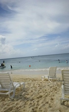 Royal Palms Beach Club: view from one of our chairs