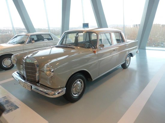 Mercedes-Benz Museum: auto