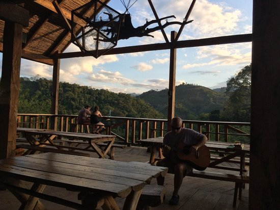 Utopia Eco Hotel : Dining area during sunset
