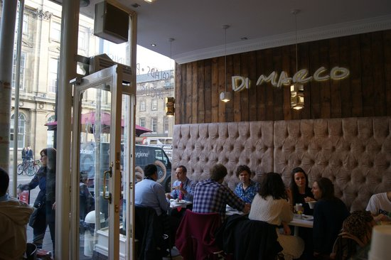Di Marco Caffe: Cafe interior