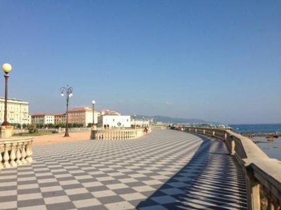 NH Livorno Grand Hotel Palazzo: Waterfront