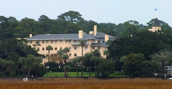 Jekyll Island Club Hotel : View from the causeway