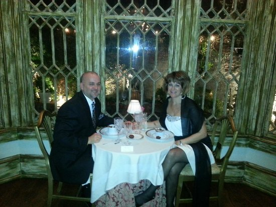 Hotel St. Germain: Dinner overlooking courtyard at night