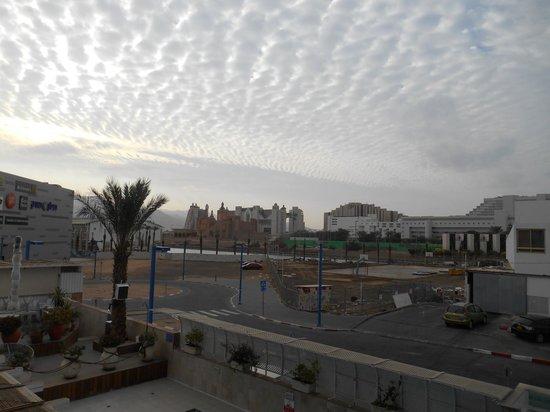 Vista Hotel : Раннее субботнее утро из окна (шабат)