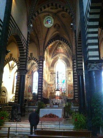 Duomo di prato interno picture of duomo di prato prato for Piazza duomo prato
