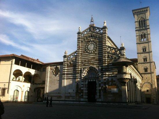 Duomo di prato facciata picture of duomo di prato for Piazza duomo prato