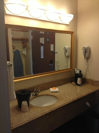 La Quinta Inn & Suites Miami Airport East: Habitacion