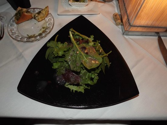 The Black Pearl Restaurant : Salad w/Poppy Seed Vinaigrette