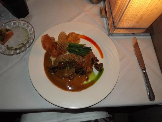 The Black Pearl Restaurant : Veal Paillards