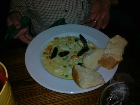 Royal Castle Hotel: seafood chowder - very disappointing, missing half the ingredients