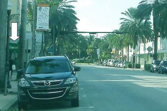 Collins Avenue showing location of Subway