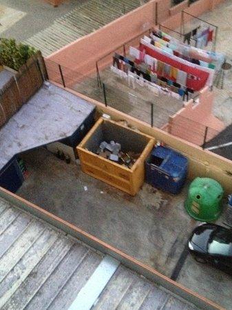 MedPlaya Hotel Regente : view down to the bins