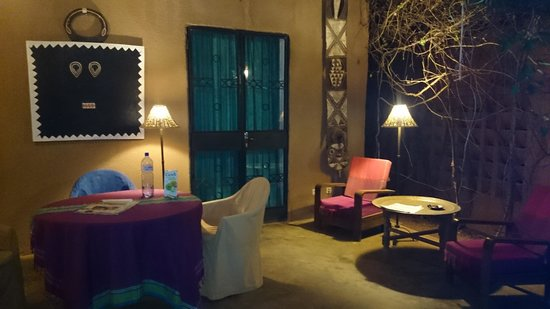 Chez Tess : Night view