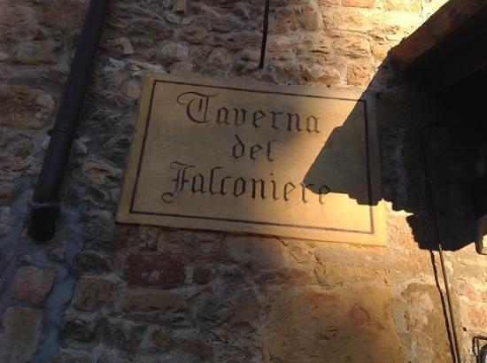 """Ristorante Taverna del Falconiere: simpatia e cortesia vanno a """"braccetto"""""""