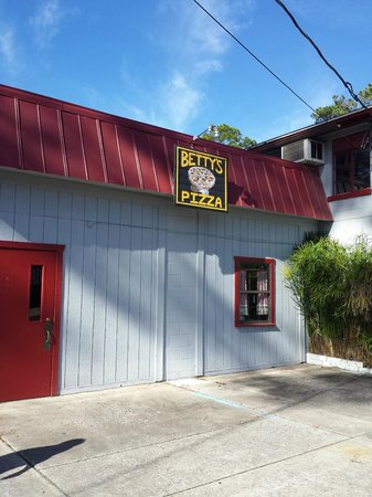 Exterior - Picture of Betty\'s Pizza & Subs, Melrose - TripAdvisor