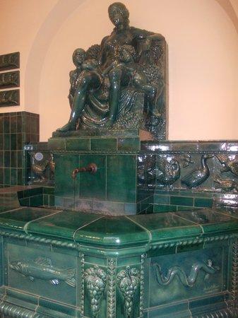 markthalle - fontana