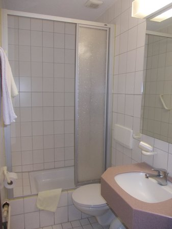 Hotel am Wilhelmsplatz - stanza nr 446 - bagno