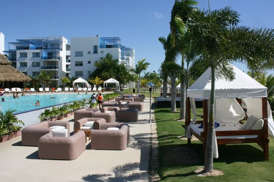 Hotel Playa Blanca Beach Resort: Bord de piscine