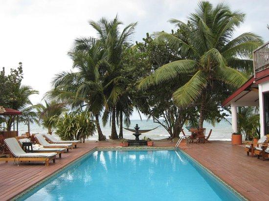 Robert's Grove Beach Resort: resort pool