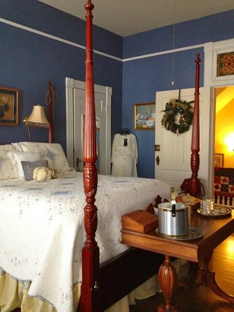 Chipley Murrah Bed & Breakfast: Queen Anne Room