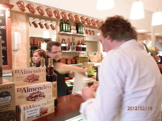 Jamon jamon delicatessen: The owners. We always comme back!
