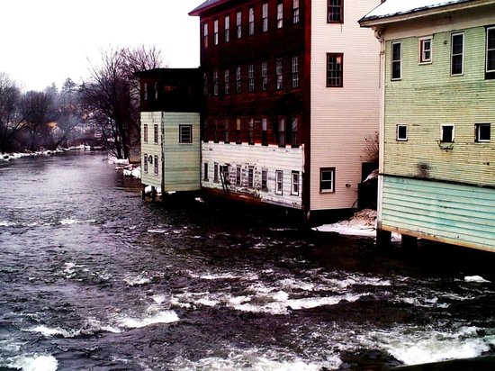 The Tilton Inn : The Pemigewasset river down the street.