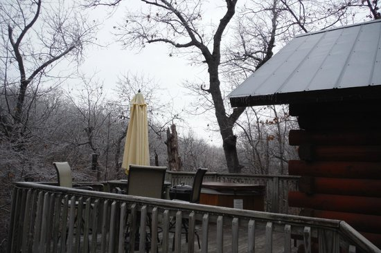 Pine Lodge Resort : Second view of deck