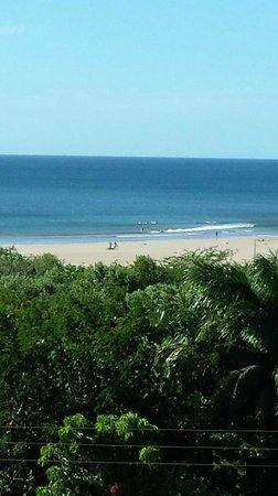 Best Western Tamarindo Vista Villas: Beach view from balcony