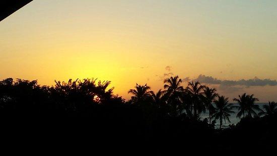 Best Western Tamarindo Vista Villas: Sunset from 302 Balcony