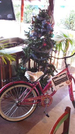 Best Western Tamarindo Vista Villas: The staff pitched in to get a girl a bike for Christmas Day.