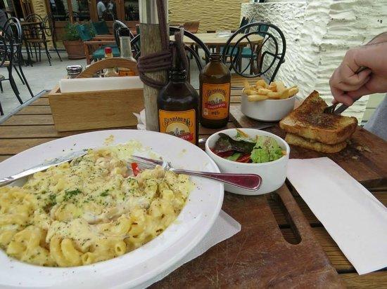 New Orleans Hotel: mac & cheese, roast meet sandwich