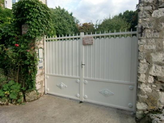 Villa Magnolia: Portail