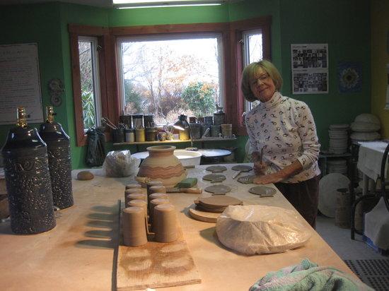 Century House Bed & Breakfast Pottery & Gallery: Mieke in her studio