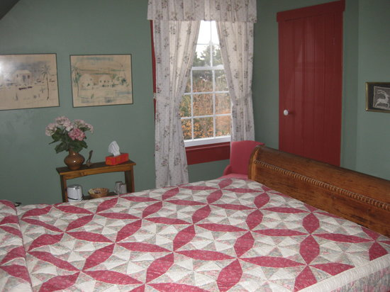 Century House Bed & Breakfast Pottery & Gallery : Ocean View Double Bed