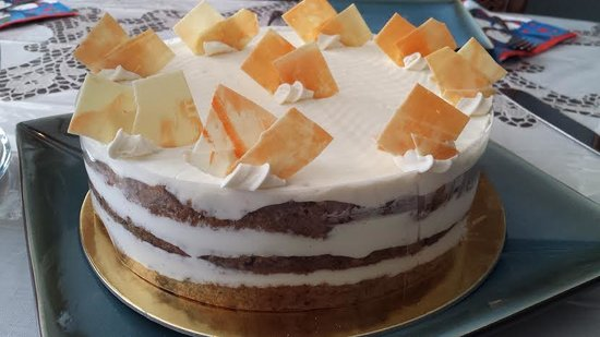 Cannelle Patisserie: Carrot Cake - Delicious!
