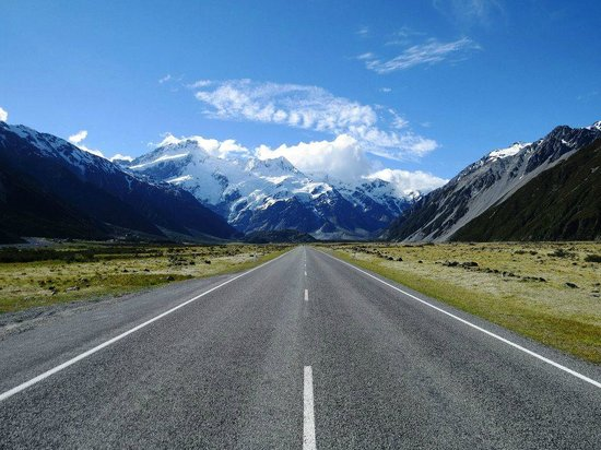 Aoraki/Mt. Cook: Road to the village