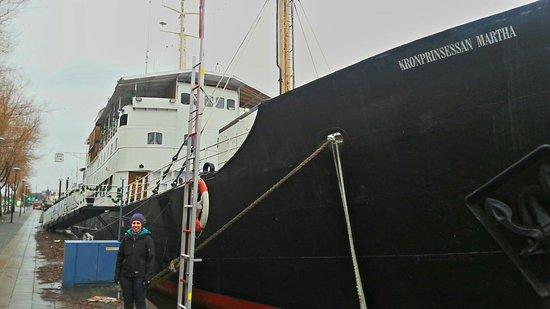 Loginn Hotel: Hotel barco