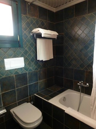 I Giardini di Cala Ginepro Hotel Resort: Il nostro bagno - 1